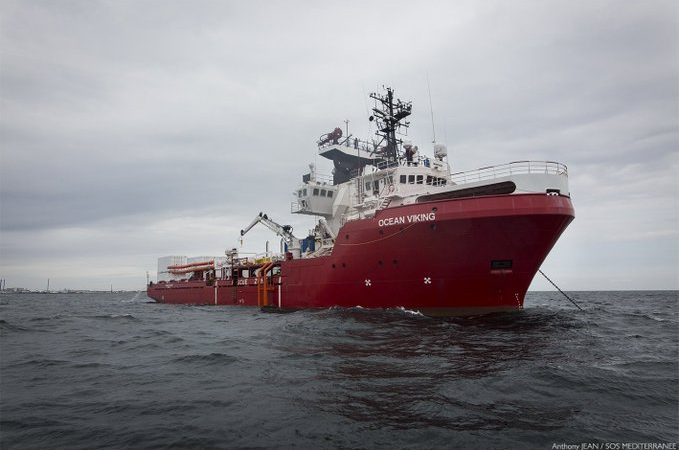 Ocean-Viking-679x450unded in partnership with MSF, the Ocean Viking has 31 people on board, including 13 search and rescue team members from SOS Méditerranée, nine MSF staff and nine marine crew. [@SOSMedIntl Twitter]