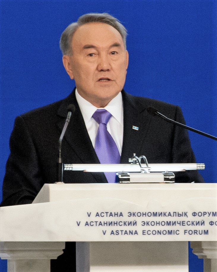 président kazakh Naserbajev, Nursultan_Nazarbayev_at_the_2013_Astana_Economic_Forum_(cropped)