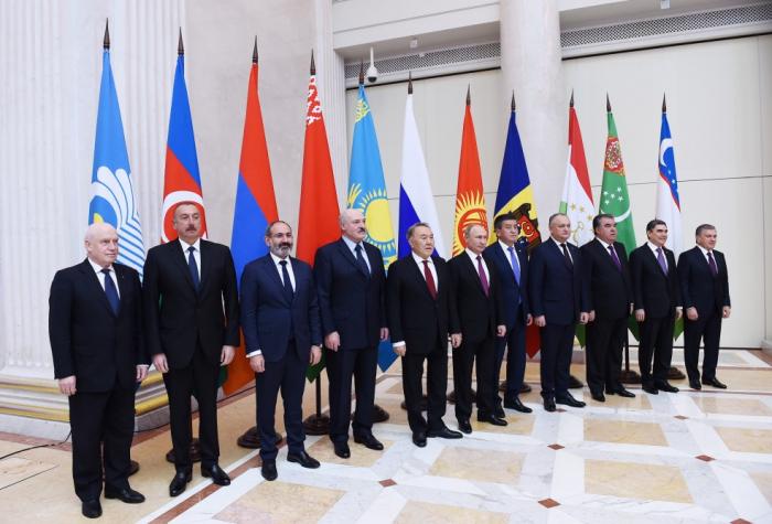 RUSSIE CEI 15441-1544113297
