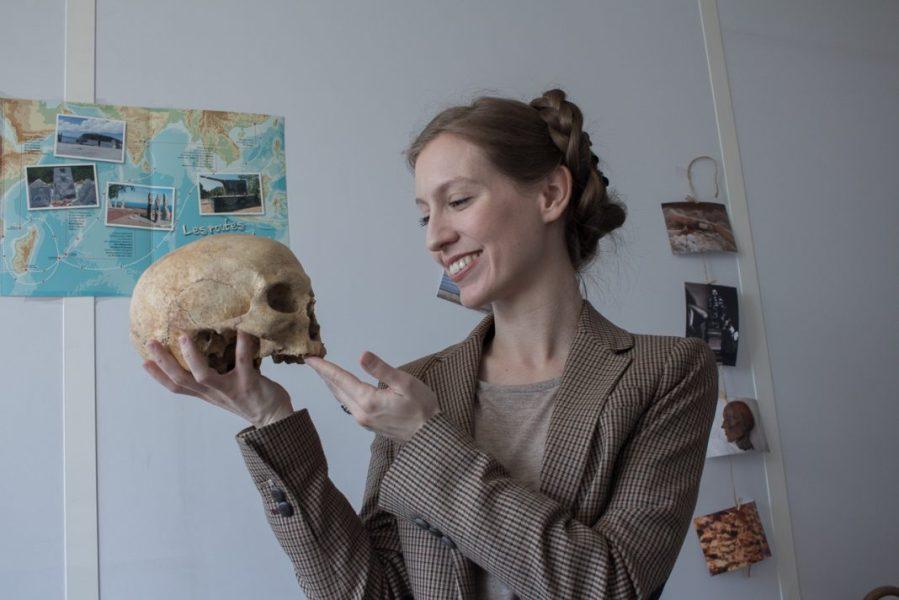1280-Jennifer-Kerner-Nanterre-youtube-professeur-prehistoire-1068x712