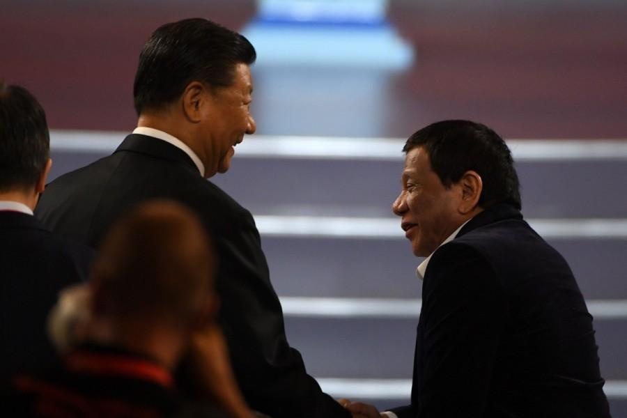 CHINE PHILIPPINES Le président philippins Rodrigo Duterte aux côtés du président Xi Jinping à Manille le 20 novembre 2018.4d00b8b0-cb29-11e9-b4e3-f796e392de6b_image_hires_224940