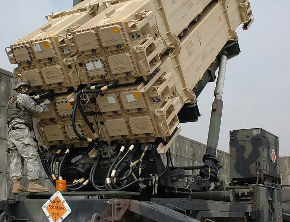 Pentagone permettant de détruire la défense antiaérienne de Kaliningra patriot-20140715