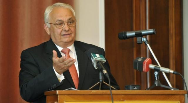 POLOGNE János Latorcai (KDNP, l'allié chrétien-démocrate du Fidesz Latorcai-János