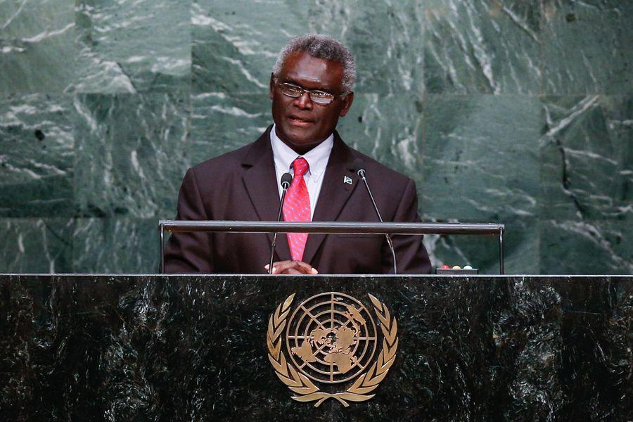 138453915_15704522614771nLe Premier ministre des îles Salomon Manasseh Sogavare prononce un discours lors du Sommet sur le développement durable au siège des Nations unies, à New York, le 27 septembre 2015. (Photo Li Muzi)