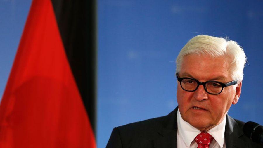 ALLEMAGNE le-ministre-allemand-des-affaires-etrangeres-frank-walter-steinmeier-a-berlin-le-6-octobre-2016_5722245