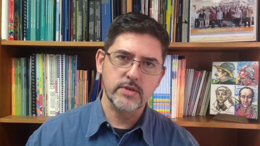 le directeur général du Service national pour le désarmement, Pablo Fernández, maxresdefault
