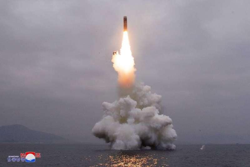 photo-diffusee-par-lagence-nord-coreenne-kcna-le-2-octobre-2019-qui-represente-le-missile-que-la-cor_323447_