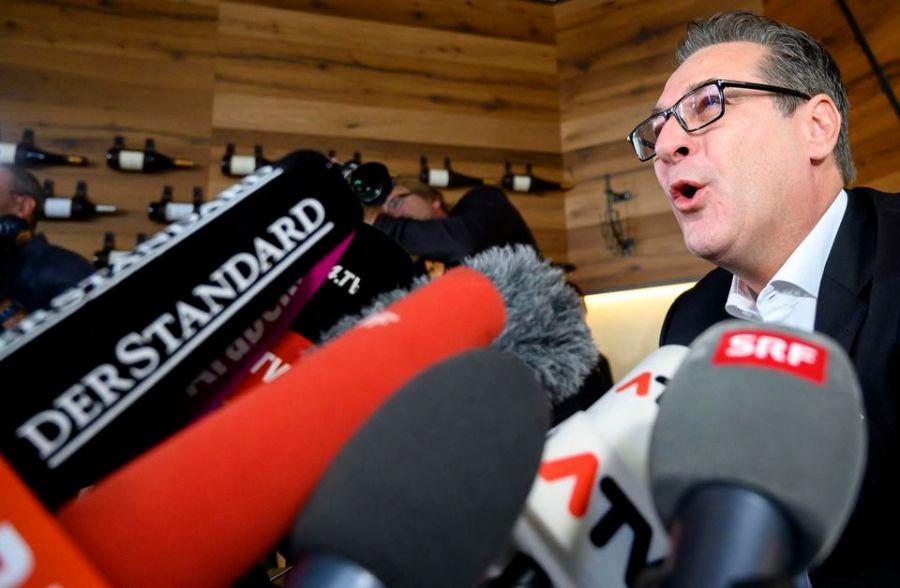 autriche Heinz-Christian Strache annonce sa retraite politique à Vienne, mardi. Photo Joe Klamar. AFP 1256235-000_1kw7i9