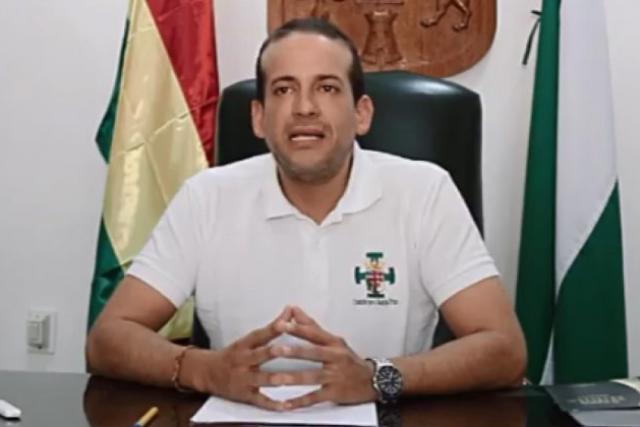 BOLIVIE l'évangéliste « chrétien » Luis Fernando Camacho img_5dc05ae556544