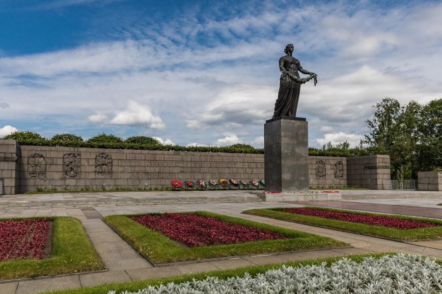 le mémorial Piskarev de Saint-Pétersbourg 36487585842_c4bd8294db_b