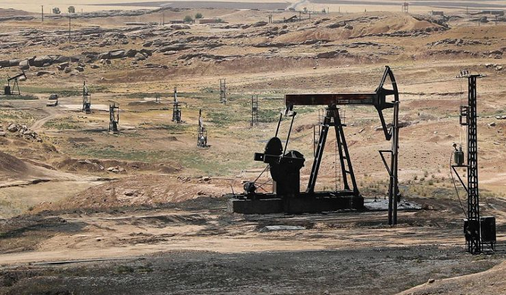le pétrole dans les gisements au Nord-Est de la Syrie4-2-740x431