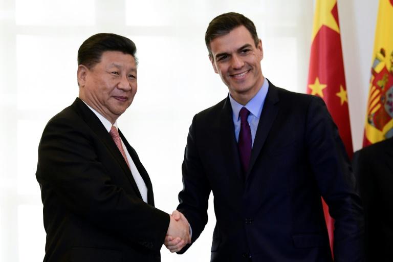 le-premier-ministre-espagnol-pedro-sanchez-et-le-president-chinois-xi-jinping-l