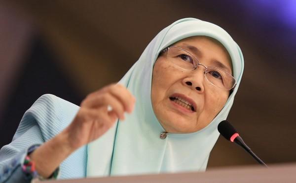 MALAISIE La vice-premier ministre Wan Azizah 23457538-25728558