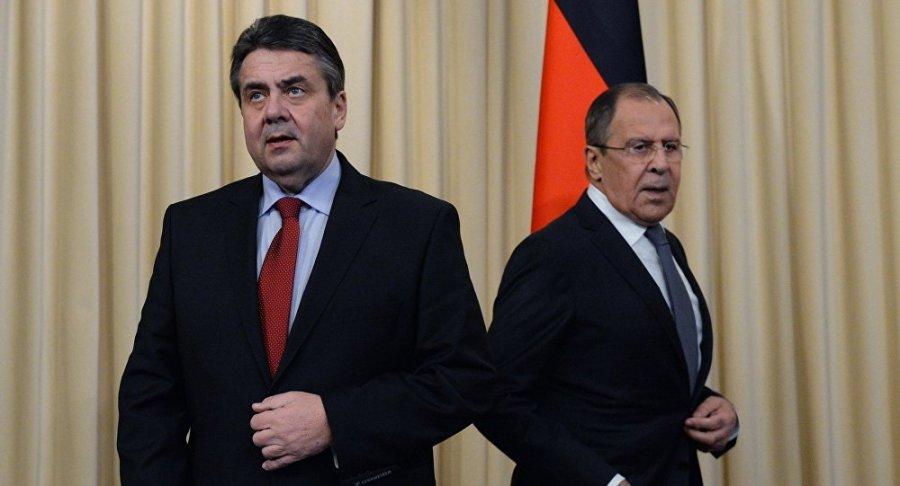 RUSSIE ALLEMAGNE Sergueï Lavrov, avec Sigmar Gabriel, ancien vice-Chancelier et Ministre fédéral des Affaires étrangères de l'Allemagne1051402561