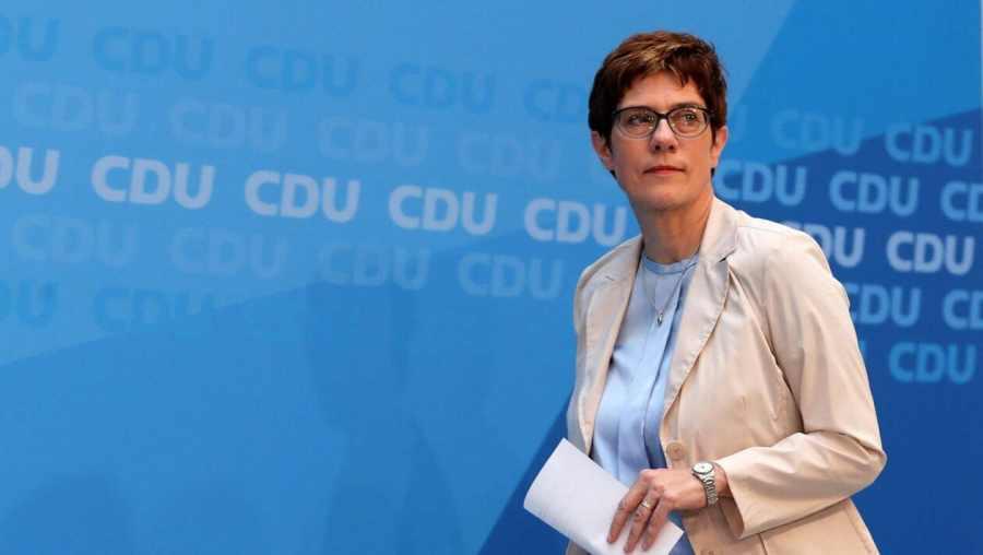 ALLEMAGNE ministre de la Défense, Annegret Kramp-Karrenbauer (CDU)MjAxOTA3NmFhMzE1OWVlMTkyNDVkMjdhMWEyY2FmYzZmZTYxZmU