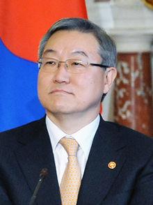 corée sud Vice-Ministre sud-coréen des Affaires étrangères Kim Gunn 220px-Kim_Sung_Hwan-1