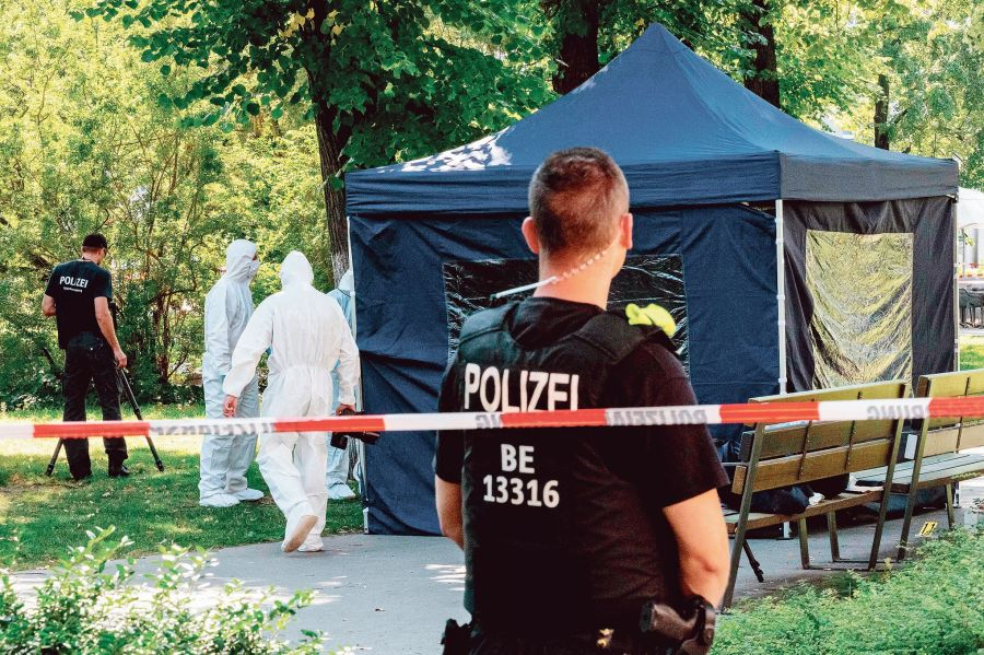 FILES-GERMANY-RUSSIA-MURDER-INVESTIGATION-EXPULSION