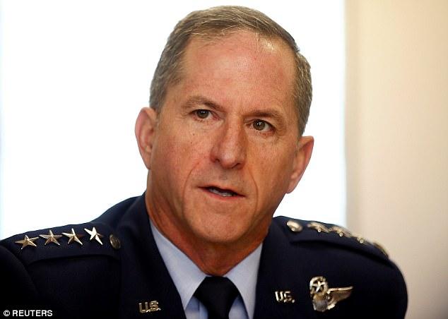 l'armée de l'air américaine David Goldfein 4596C5F300000578-5007099-image-a-1_1508726688096