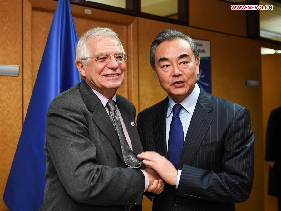 le haut représentant de l'UE pour les Affaires étrangères et la Politique de sécurité, Josep Borrell, en marge de la 14e Réunion des ministres des Affaires étrangères du Dialogue Asie-Europe (ASEM).138634444_15764979376541n
