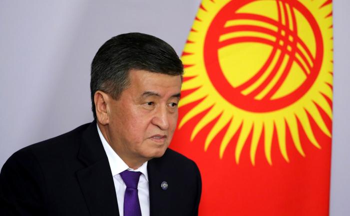 Le président kirghiz Jeenbekov OZD6s-1564572074