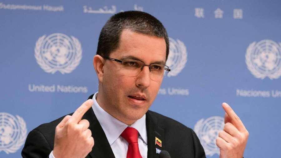 VENEZUELA le Ministre des Affaires étrangères Jorge Arreaza MjAxOTA0NWQzNzMwMWVjZTZkN2ZiZWU0MTQwY2RiZWJlYTY3ODg