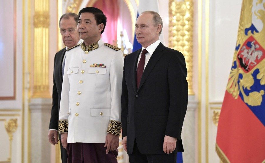 Eat Seyla (Kingdom of Cambodia) presents his letter of credence to Vladimir Putin. N 12 GGBnANs0lLBiVkwAi6fOMAGICtWhhv4h