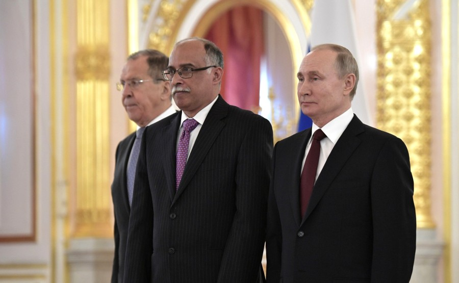 Kamrul Ahsan (People's Republic of Bangladesh) presents his letter of credence to Vladimir Putin. N 19 ugicg0XHangJjA81rfWRTfNQvzfSXtsU
