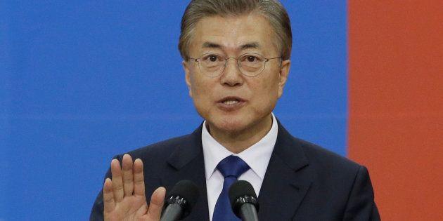 Le Président de la République de Corée Moon Jae-in 5c93276636000020266dc3b8