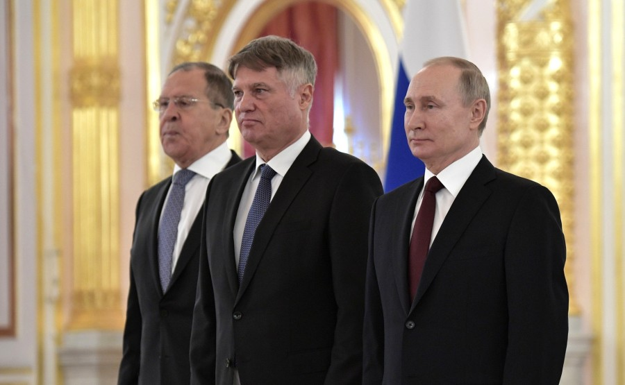 Miroslav Lazanski (Republic of Serbia) presents his letter of credence to Vladimir Putin. N 10 F1IAznn3tRnkG2HdwItWi9ycNMpAq0xe