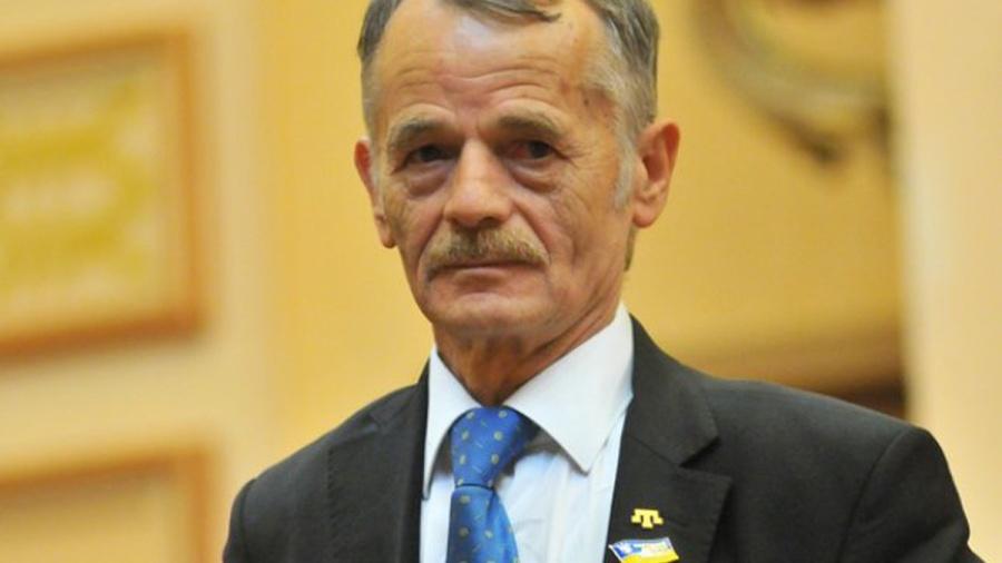 Moustafa Djemilev, né le 13 novembre 1943 à Ay-Serez en Crimée, est l'ancien président du Majlis du peuple tatar de Crimée et un membre du Parlement ukrainien depuis 1998 oU8RDDlIbvSP