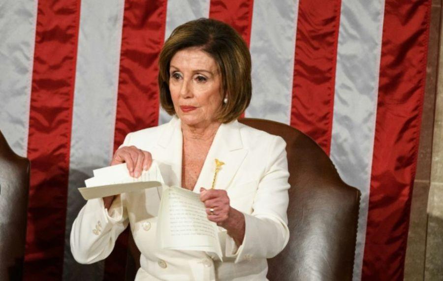 Nancy Pelosi,1292089-la-cheffe-des-democrates-au-congres-dechire-le-discours-de-donald-trump-lors-de-son-discours-sur-l-e