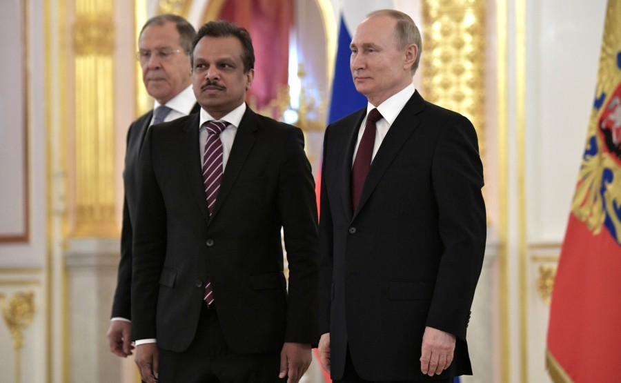 Sadasivan Premjith (Republic of Singapore) presents his letter of credence to Vladimir Putin. N 11 vscWesygaDvWQoC1GhVoGk1EES6yaH43
