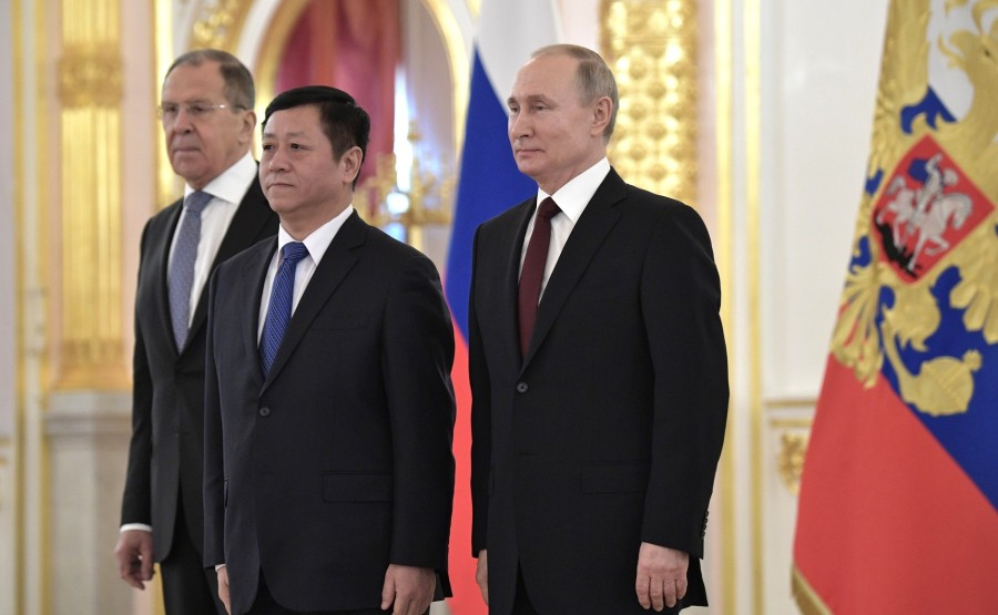 Zhang Hanhui (People's Republic of China) presents his letter of credence to Vladimir Putin N 6 TPRyYnxU8ANDt4a8p7AGTbHzHElSXFAE