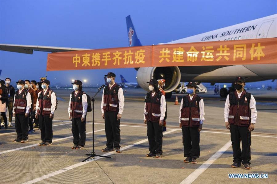 La Chine envoie une équipe médicale au Cambodge138908784_15849717546991n