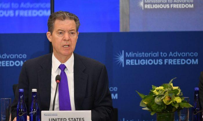 L'ambassadeur américain itinérant pour la liberté religieuse internationale Sam Brownback brownback-on-religion-and-xinjiang-001-700x420