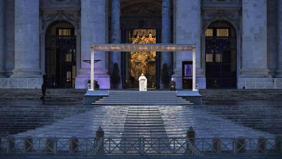 Le Pape PH 5 organise ce vendredi 27 mars à 18h un temps de prière suivi d'une bénédiction eucharistique Urbi et Orbi MjAyMDAzY2E4NGE1NmE2ZjcxODY3YTM1YzlhNzkwMGQ5YjgyODk