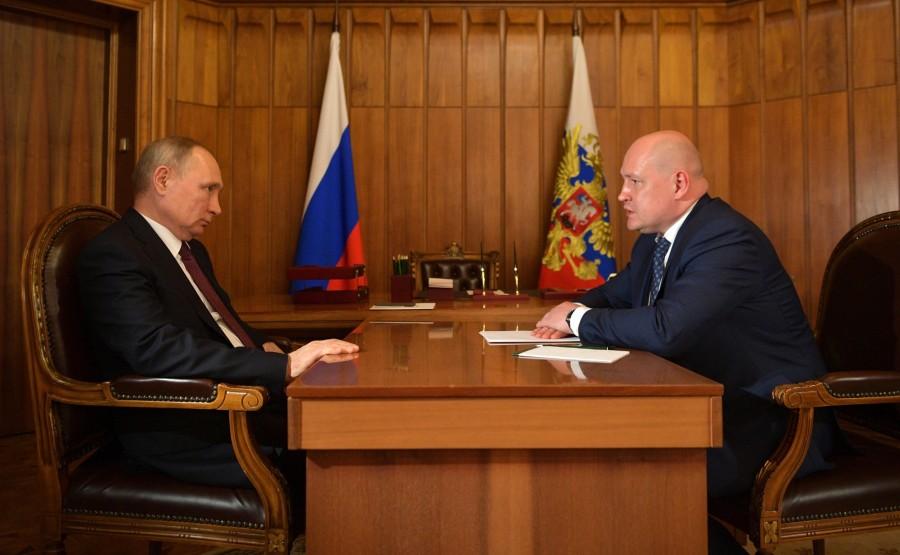 Meeting with Acting Governor of Sevastopol Mikhail Razvozhayev. 1 SUR 3 DexE6QHZgWAKHX8raXTe3RuyMzpOzKXA