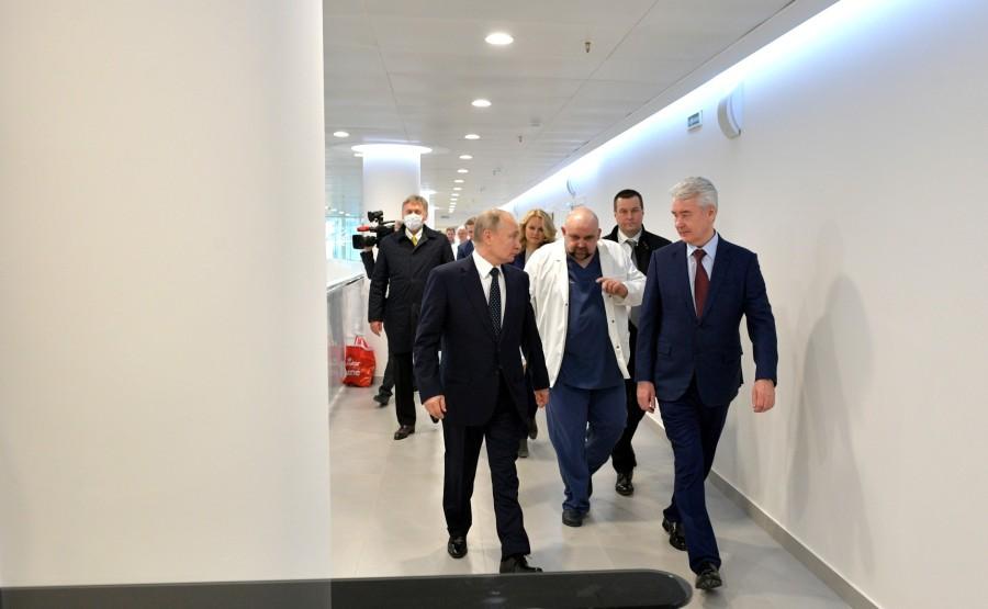 RUSSIE PH 11 SUR 12 Lors d'une visite dans un hôpital de la ville de Kommunarka près de Moscou destiné aux patients suspects d'infection à coronavirus. KKqjJFdnltZQjSGxgMucVSA1N7MbNIll