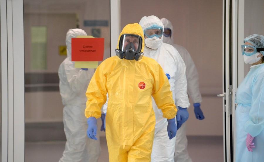 RUSSIE PH 4 SUR 12 Lors d'une visite dans un hôpital de la ville de Kommunarka près de Moscou destiné aux patients suspects d'infection à coronavirus. dApL14L1UAeDTAn0AOOx38JX79noAc4L