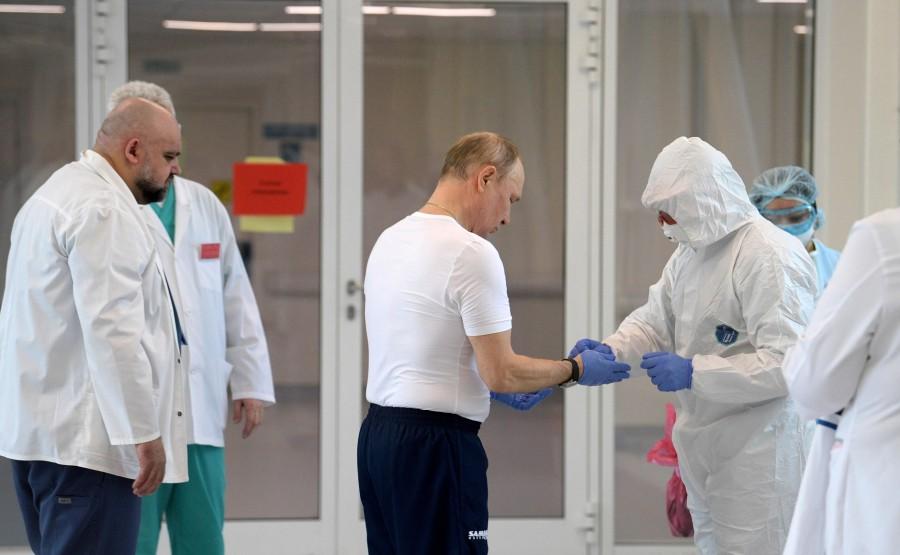 RUSSIE PH 5 SUR 12 Lors d'une visite dans un hôpital de la ville de Kommunarka près de Moscou destiné aux patients suspects d'infection à coronavirus wVU2bdEJMoI0NUYG156eH0QMqgrSdh14