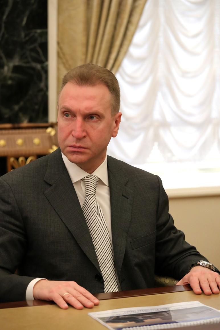 RUSSIE PH 7 SUR 8 Président de la State Development Corporation VEB.RF Igor Shuvalov lors d'une réunion avec des membres gouvernementaux. 58YBkT3i8hrbUoO6NYxxabf2pQyZPSgE