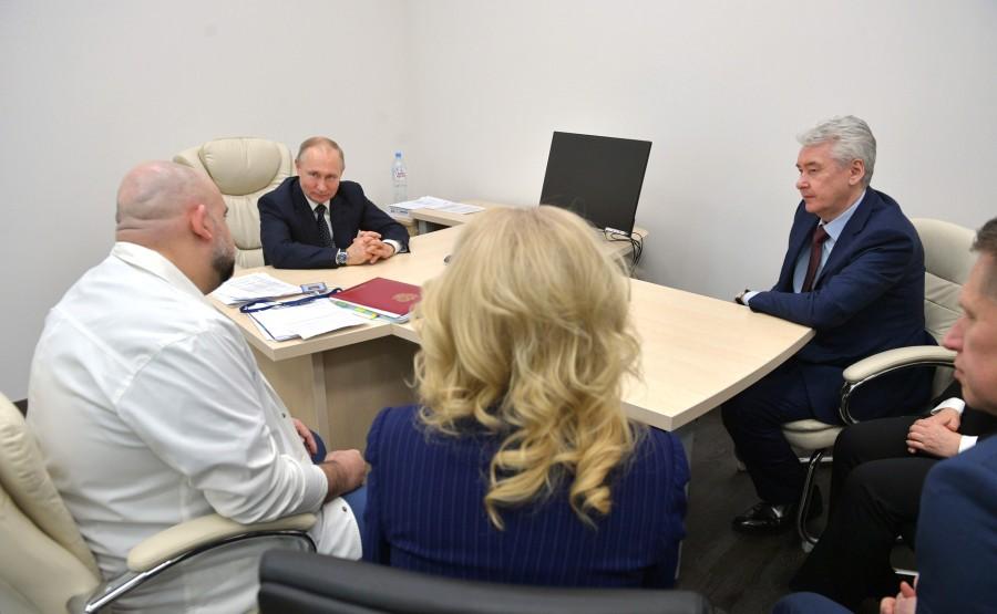 RUSSIE PH 9 SUR 12 Lors d'une visite dans un hôpital de la ville de Kommunarka près de Moscou destiné aux patients suspects d'infection à coronavirus. zevPx0w3hUnbDHRYOk7AmnB9pAQ4zUDE