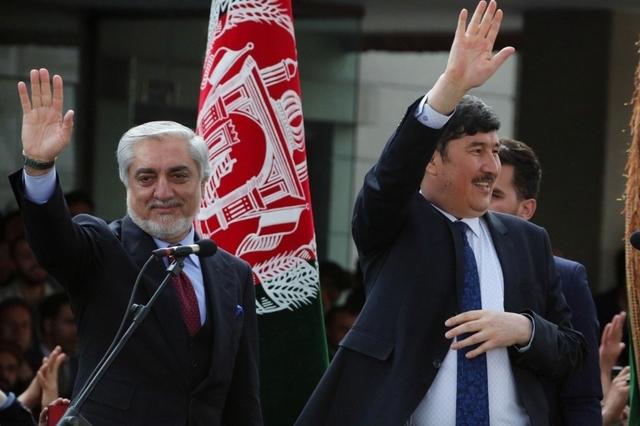 topelement Abdullah Abdullah (à gauche) a prêté serment comme président de l'Afghanistan, tout comme son rival Ashraf Ghani. (Lundi 9 mars 2020)