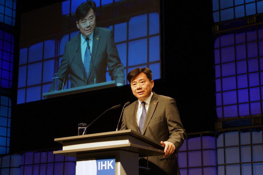 Wu Ken, Ambassadeur de Chine en Allemagne wu-ken