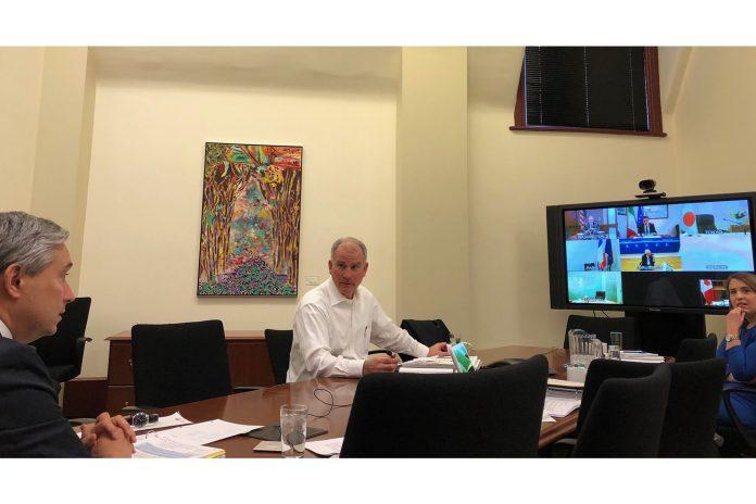 200325-g7-en-videoconference-en-raison-pandémie-696x464