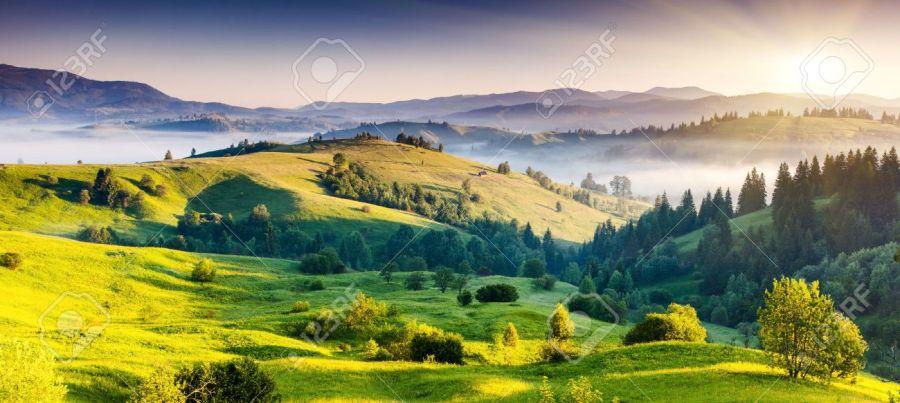 22390016-majestic-sUKRAINE CARPATES unset-in-the-mountains-landscape-dramatic-sky-carpathian-ukraine-europe-beauty-world-