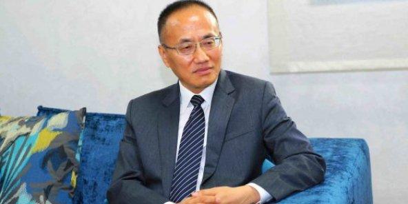 Chen Xiaodong, ministre assistant des Affaires étrangères, chargé des affaires d'Asie de l'Ouest et d'Afrique du Nord, des affaires africaines et des archives. 36917hr_-e1564427241242-592x296-1564430437