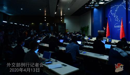 CHINE Conférence de presse PH 5 du 13 avril 2020 tenue par le porte-parole du Ministère des Affaires étrangères Zhao Lijian W020200416375929889228