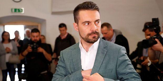 En-Hongrie-l-extreme-droite-joue-la-dediabolisation-pour-les-legislatives Gábor Vona,