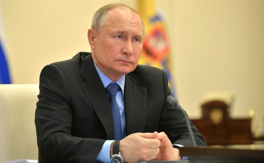KREMLIN Réunion de la Commission PH 3 SUR 4 de coopération technologique militaire avec les États étrangers par vidéoconférence. cfgEeihdYc9C4gTeX8tOsosU1lOtul4A